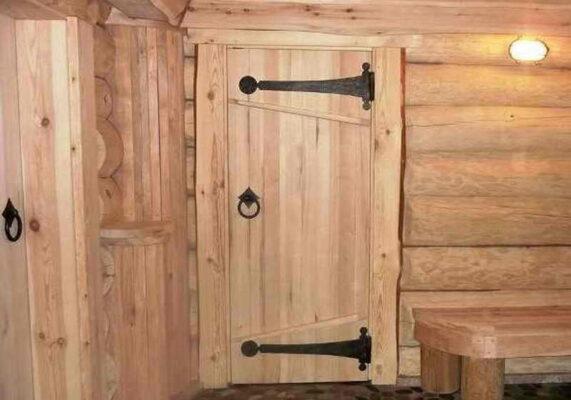 Какой должна быть дверь в бане